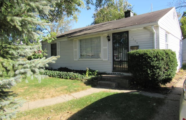 1228 Edgewood Dr - 1228 Edgewood Drive, South Bend, IN 46616