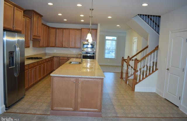 24663 RED LAKE TERRACE - 24663 Red Lake Terrace, Arcola, VA 20166