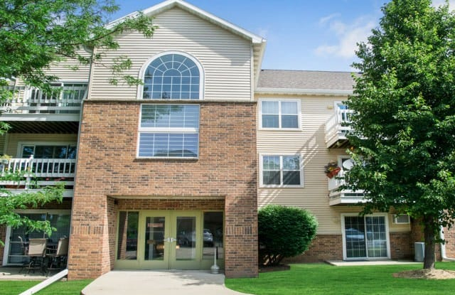 Riverwood Apartments - 10916 75th St, Pleasant Prairie, WI 53142