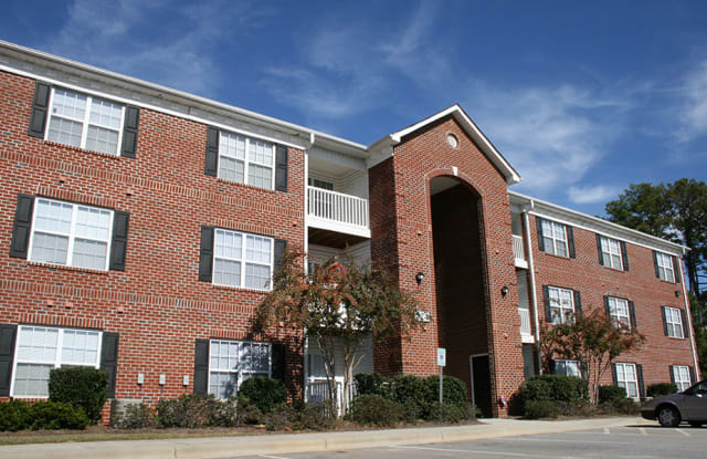 Crescent Commons - 812 Crescent Commons Way, Fayetteville, NC 28314