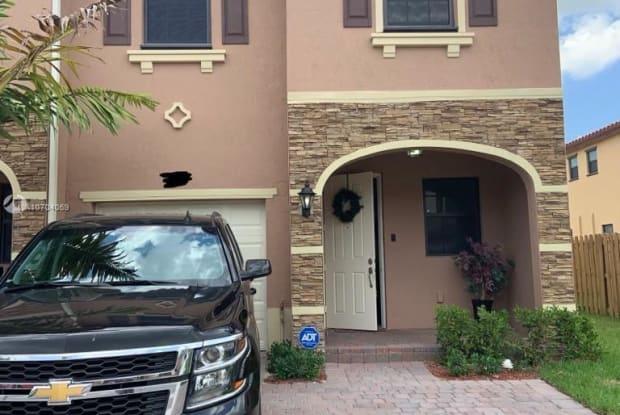 167 SE 33rd Ter - 167 Southeast 33rd Terrace, Homestead, FL 33033