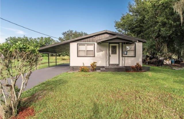 708 SE PINE AVENUE - 708 South Pine Avenue, Fort Meade, FL 33841