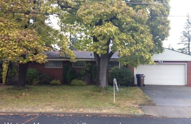 3825 E 18th - 3825 East 18th Avenue, Spokane, WA 99223