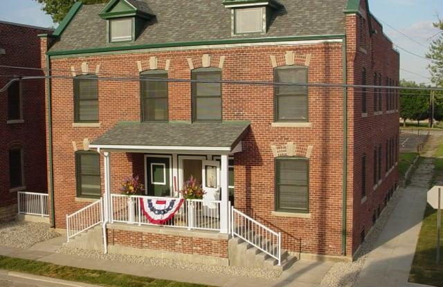 Howard Square - 550 S Jefferson St, Muncie, IN 47305