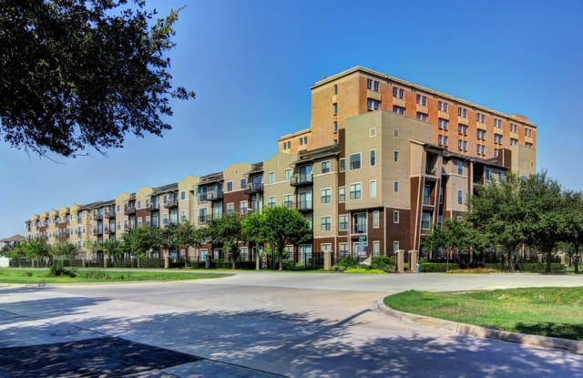 Broadstone Lofts at Hermann Park - 1 Hermann Park Ct, Houston, TX 77021