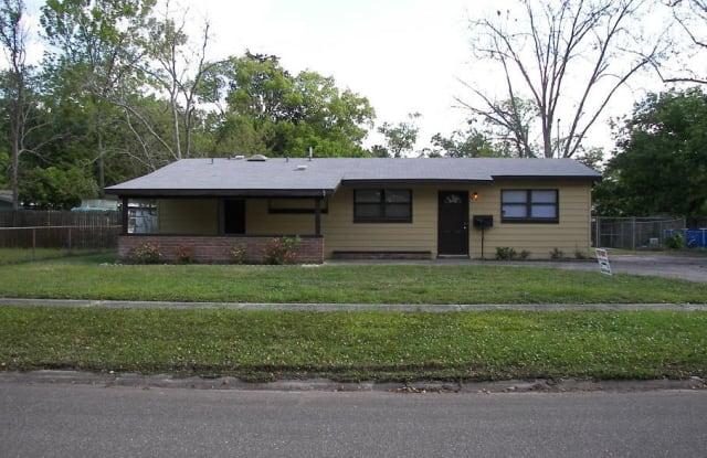 2383 BETSY DR - 2383 Betsy Drive, Jacksonville, FL 32210