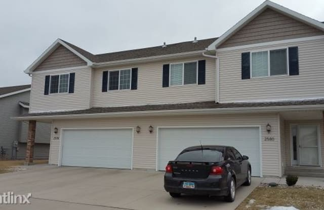 2578 54th Ave S - 2578 54th Ave S, Fargo, ND 58104