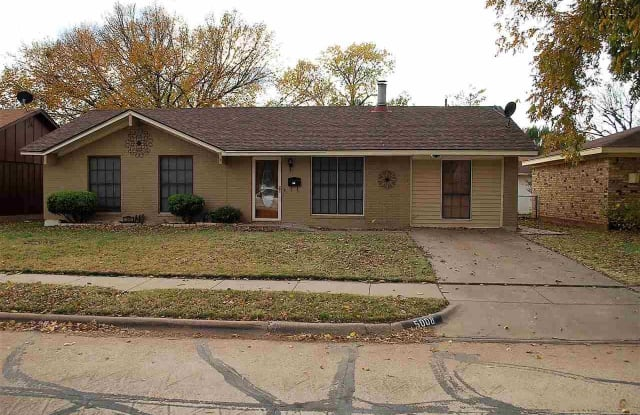 5008 ROCKPOINT STREET - 5008 Rock Point St, Wichita Falls, TX 76310