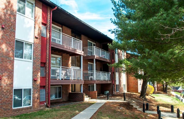 Hillsdale Manor Apartments - 4738 Wakefield Rd, Baltimore, MD 21216