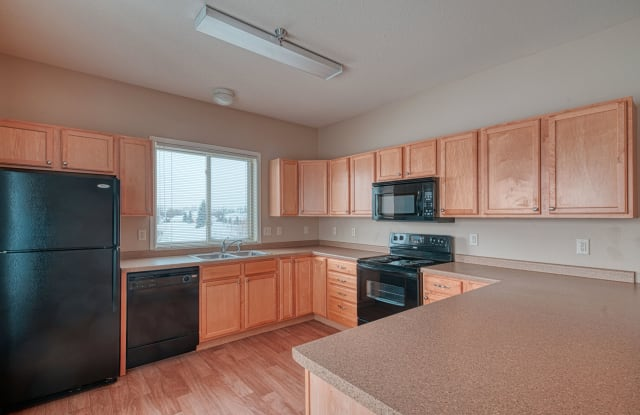 University Point - 2860 10th Avenue North, Grand Forks, ND 58203