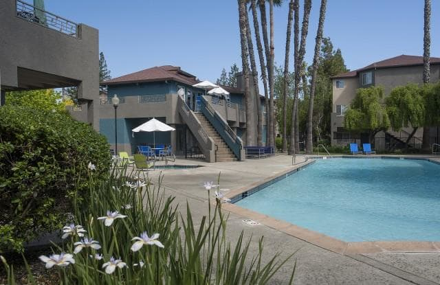 Sharps & Flats Apartment Homes - 1660 Drew Cir, Davis, CA 95618
