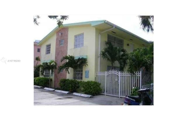 950 Biarritz Dr - 950 Biarritz Drive, Miami Beach, FL 33141