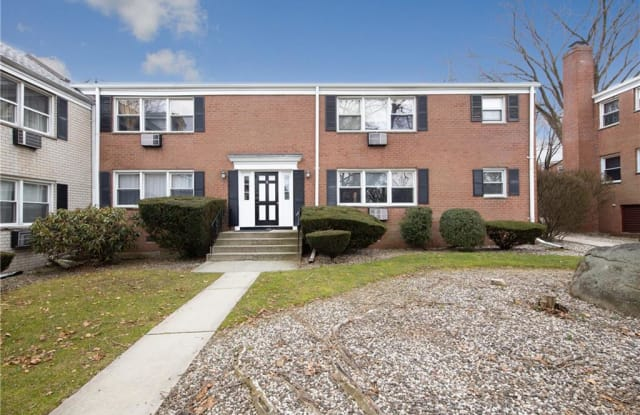 8 Oxford Court - 8 Oxford Court, Suffern, NY 10901