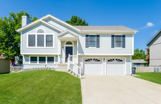 506 Copeland Drive - 506 Copeland Drive, Greenwood, MO 64034