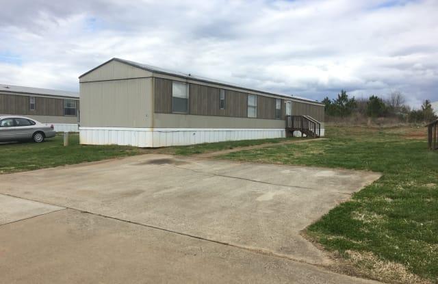Beaver Creek Mobile Home Park - 15 Beaver Creek Cir, Lavonia, GA 30553