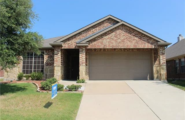 921 LakeForest Trail - 921 Lake Forest Trl, Paloma Creek South, TX 75068