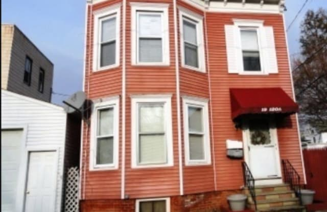 19 120TH ST - 19 120th Street, Troy, NY 12182