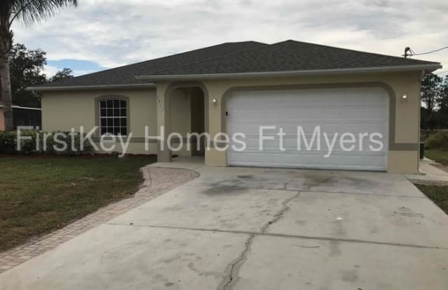 3915 32nd Street Southwest - 3915 32nd Street Southwest, Lehigh Acres, FL 33976