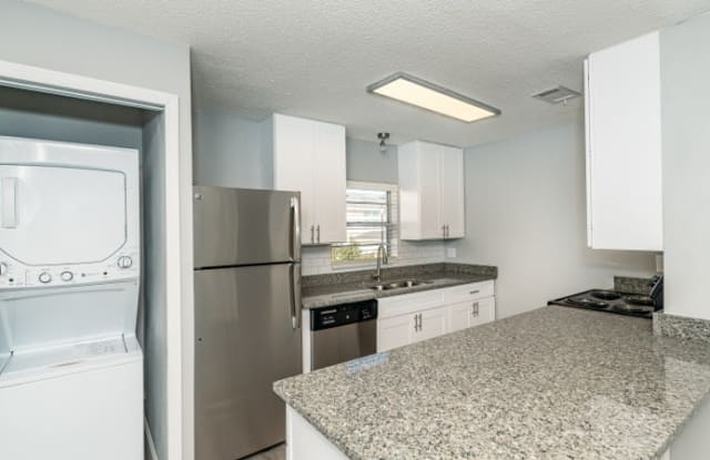 Seaside Apartments - 1085 Atlantic Blvd, Atlantic Beach, FL 32233