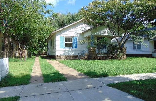 425 S Elm - 425 South Elm Street, Ponca City, OK 74601