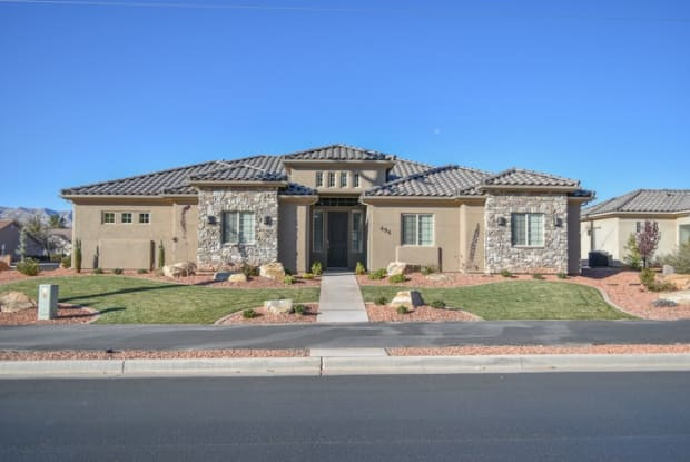 696 Red Mountain Boulevard - 696 S Red Mountain Blvd, Ivins, UT 84738