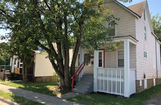 125 S Central Ave Unit 2 - 125 South Central Avenue, Ely, MN 55731
