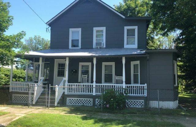 134 BEEKMAN ST - 134 Beekman Street, Saratoga Springs, NY 12866