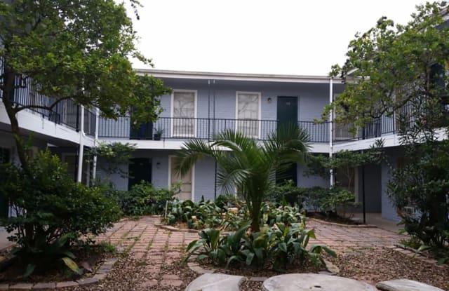 Bella Springs Townhomes - 1550 Blalock Rd, Houston, TX 77080