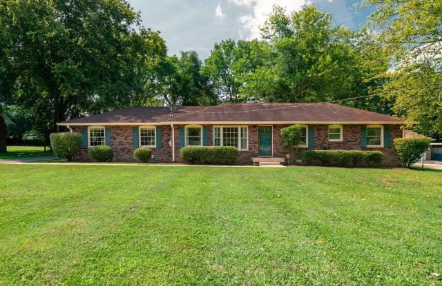 118 East Drive - 118 East Drive, Hendersonville, TN 37075
