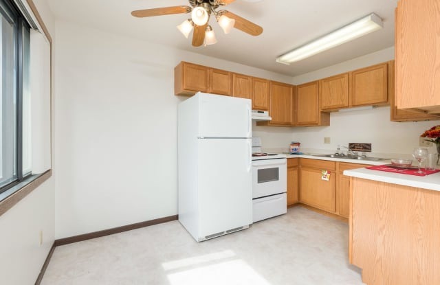 Riverpark Apartments - 505 W Indiana Ave #4, Bismarck, ND 58504