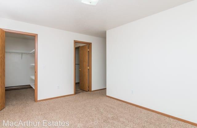 MacArthur Estates - 5500 S Mac Arthur Ln, Sioux Falls, SD 57108