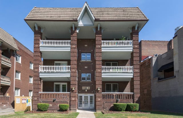 St. Regis - 2765 Euclid Heights Boulevard, Cleveland Heights, OH 44106