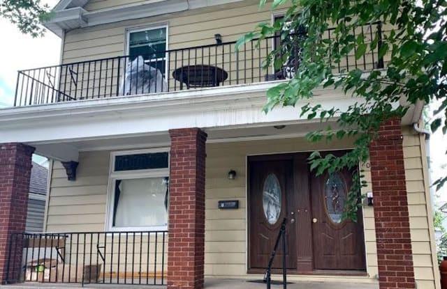 206 Oak Street - 206 Oak Street, Cincinnati, OH 45219