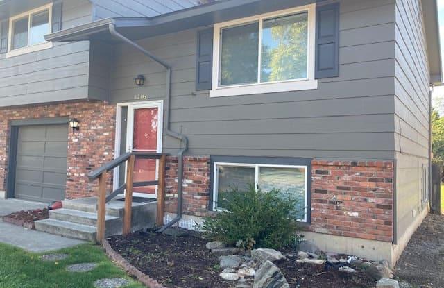 8206 E Grace Ave - 8206 East Grace Avenue, Spokane Valley, WA 99212