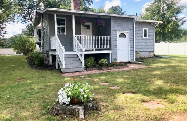 52 Ossamequin Rd - 52 Ossamequin Road, Middlesex County, MA 01821