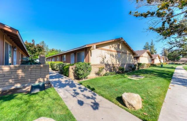 Arbor Place - 5449 N 10th St, Fresno, CA 93710