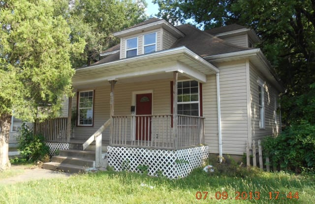 626 W Division St - 626 West Division Street, Springfield, MO 65802