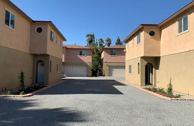 948 E Washington Ave - 948 East Washington Avenue, Escondido, CA 92025