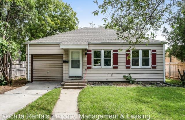 602 N Ridgewood - 602 North Ridgewood Drive, Wichita, KS 67208