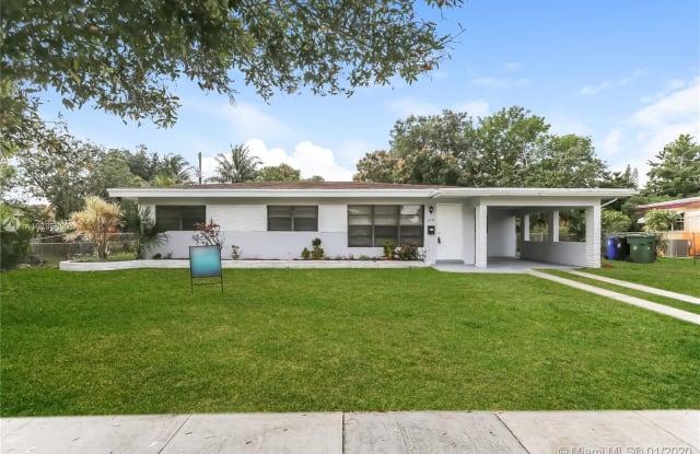 679 W Melrose Cir - 679 West Melrose Circle, Fort Lauderdale, FL 33312
