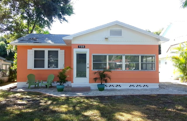 726 5th St S - 726 5th Street South, Safety Harbor, FL 34695
