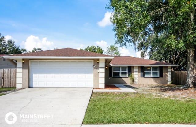 710 Caliente Drive - 710 Caliente Drive, Bloomingdale, FL 33511