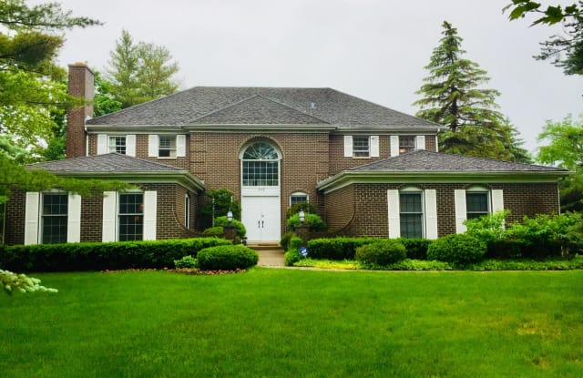 249 WILSHIRE Road - 249 Wilshire Road, Lake Forest, IL 60045