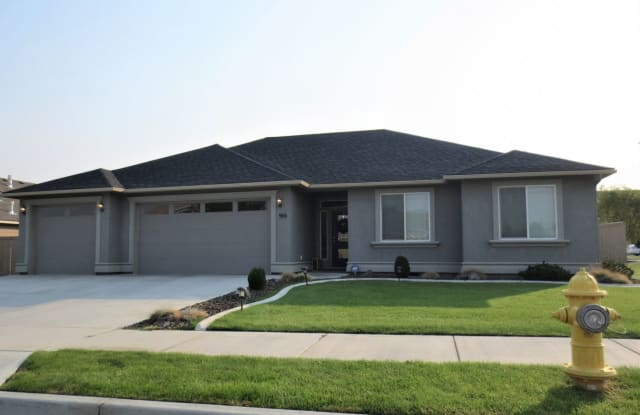 906 N. Oklahoma Pl. - 906 North Oklahoma Place, Kennewick, WA 99336