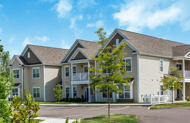 Canal Crossing Apartments - 130 Saddlestone Pl, Camillus, NY 13031