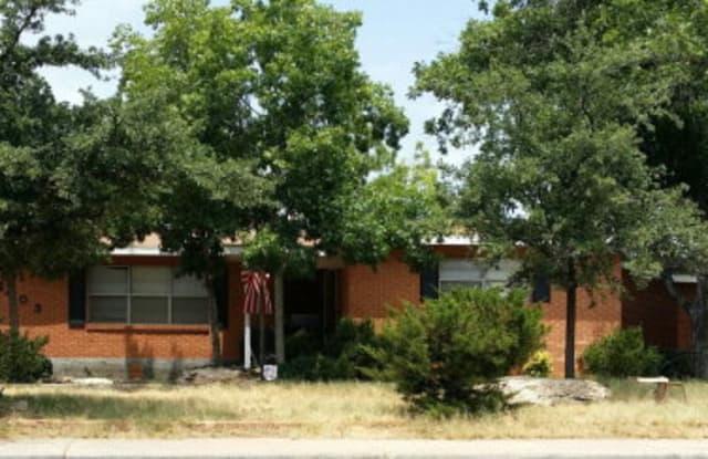 2403 21st St - 2403 East 21st Street, Odessa, TX 79761