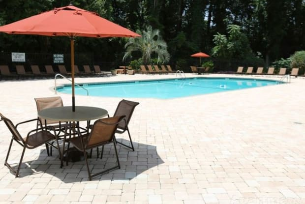 Granby Oaks - 800 State St, West Columbia, SC 29169