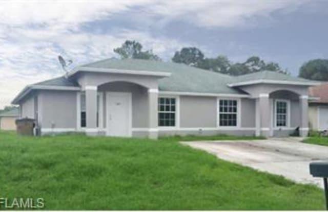 437 Linden AVE S - 437 437/439 Linden Ave S, Lehigh Acres, FL 33974