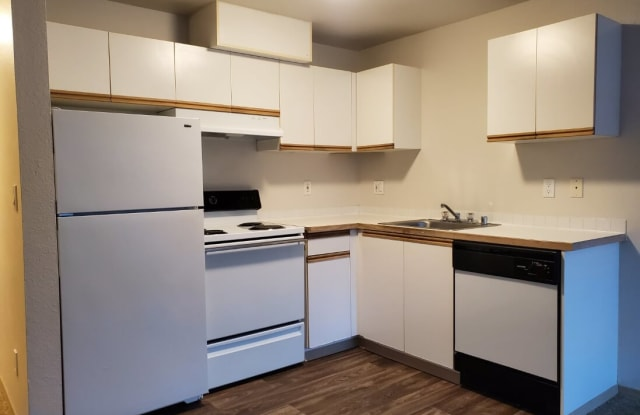 2nd Street Apartments - 11115 NE 2nd St, Bellevue, WA 98004