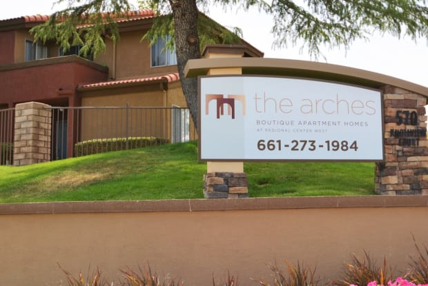 The Arches at Regional Center West - 570 Knollview Ct, Palmdale, CA 93551